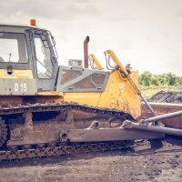 Tinne Rombouts vraagt met spoed duidelijkheid over saneringstechnieken vervuilde grond rond Oosterweel
